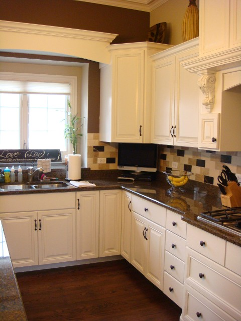 St. Charles Kitchen Cabinet Refinishers (630) 922 9714 | Cabinet Refacing St.  Charles IL