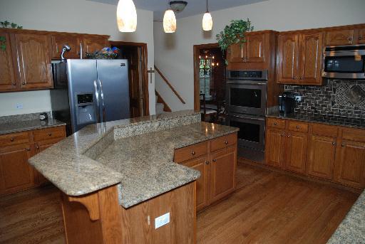 Batavia kitchen cabinet refinishers 630 922 9714 for Save wood kitchen cabinet refinishers