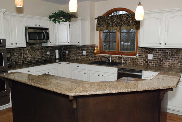Orland park kitchen cabinet refinishers 630 922 9714 for Save wood kitchen cabinet refinishers