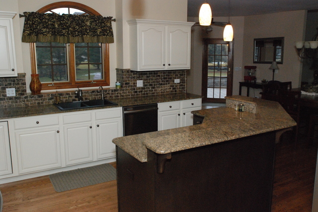 Addison kitchen cabinet refinishers 630 922 9714 for Save wood kitchen cabinet refinishers